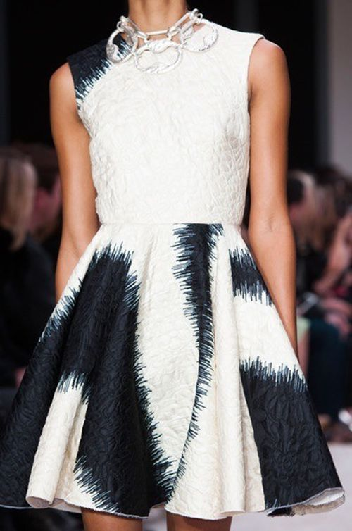 Digital Fabrics-Giambattista Valli-inspiration-art-navy-paint-strokes-fashion-design-printing-texture