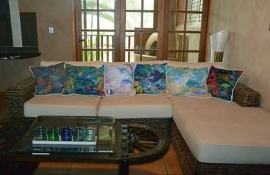 cushion-interior-design-fabricprinting-digitalfabrics-home-homewares-greatbarrierreef-australia