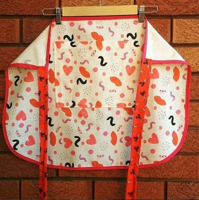 KatyDee_apron_lips_hearts_red_pink_white_design_fabric_kitchen_linen_printing