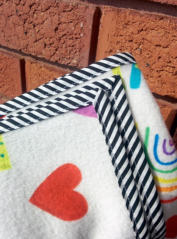 baby blanket DIY, custom baby blanket, custom fleece fabric, blanket fabric, custom blanket